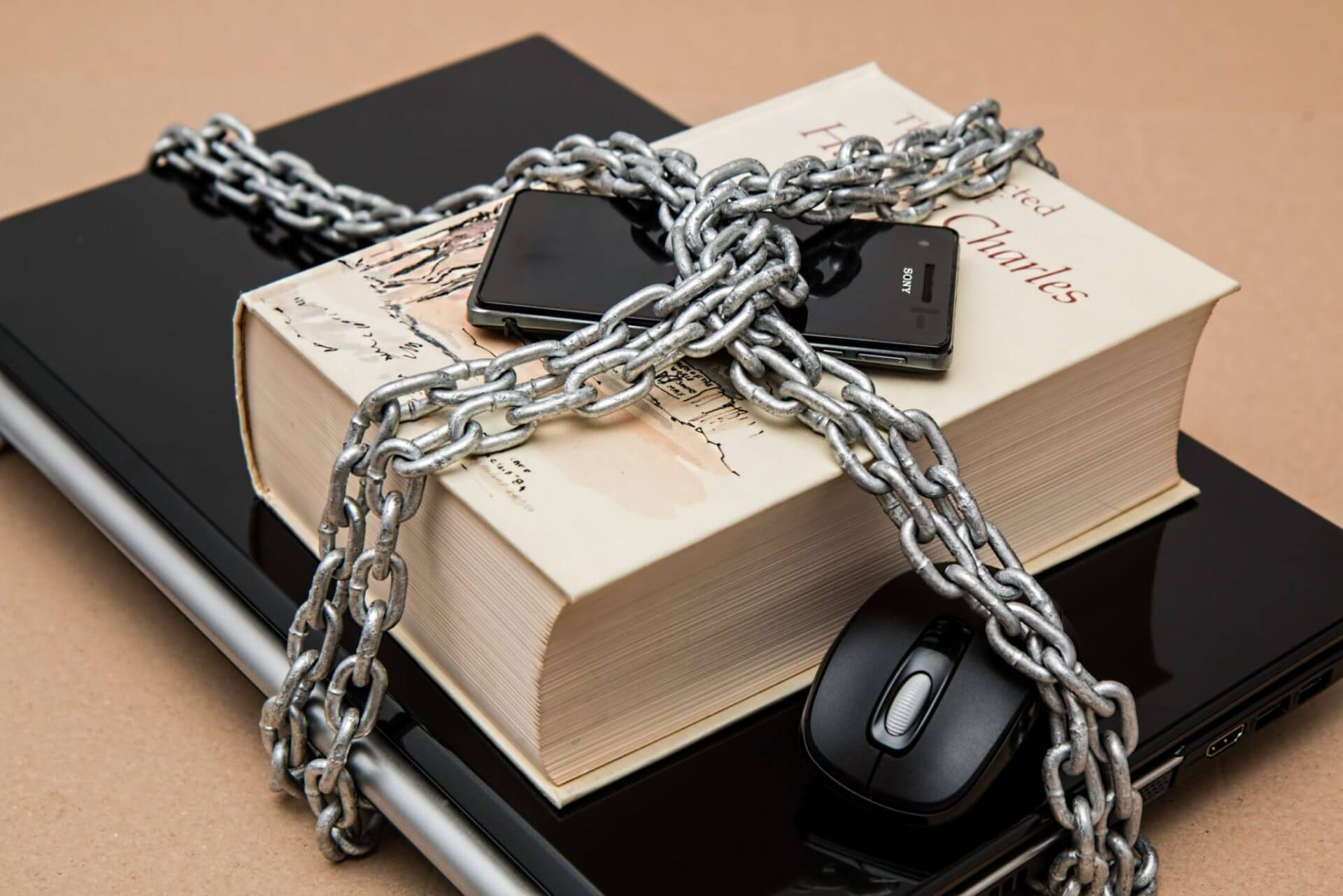 scammers-hackers-hacking-security-IT-protection